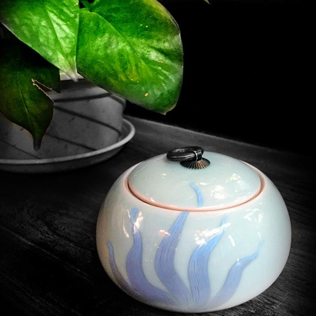 禅意茶道 纯手工彩绘 粉青 龙泉青瓷茶叶罐